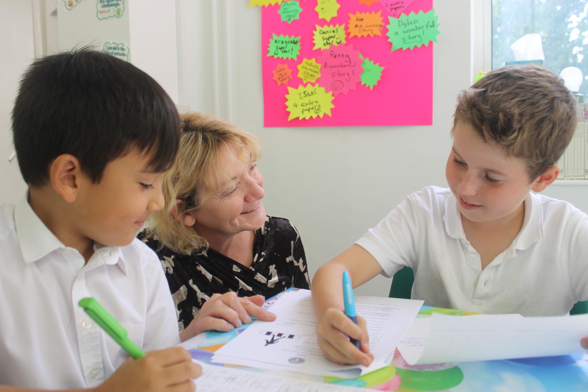Jacqui Teaching 11 Plus Students